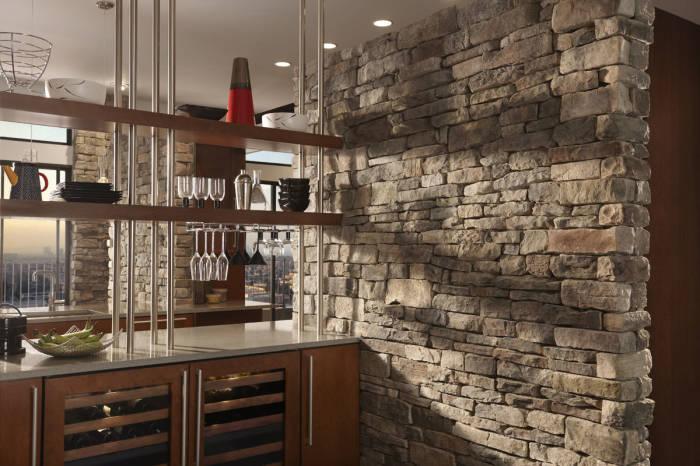Декоративный камень станет отличным дополнением к интерьеру мини-бара.