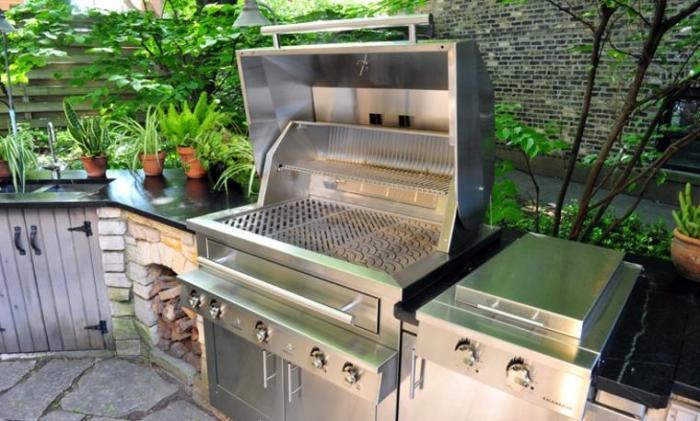 Для комплектации летней зоны лучше всего использовать все основные типы кухонного оборудования.
