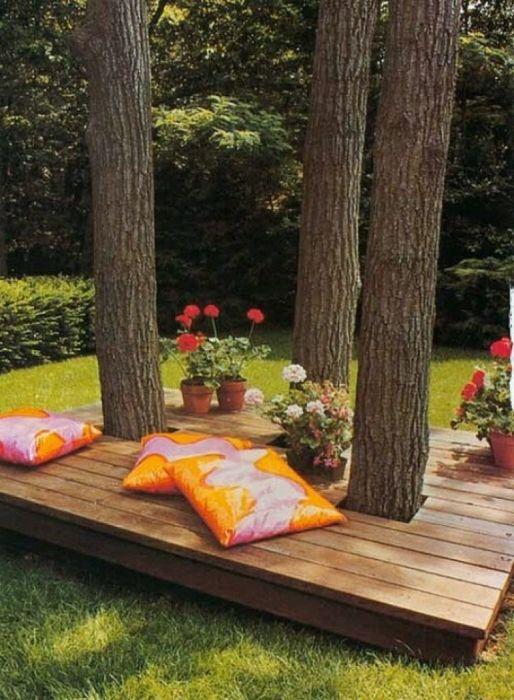 Скамейка для отдыха на даче