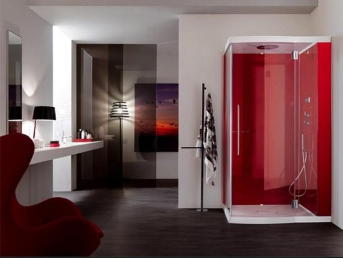 Шикарная контрастная душевая кабинка ярко-красного цвета в интерьере ванной комнаты.