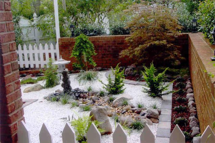 Профессиональное оформление небольшого садового участка в восточном стиле, которое создаст просто отличное настроение.
