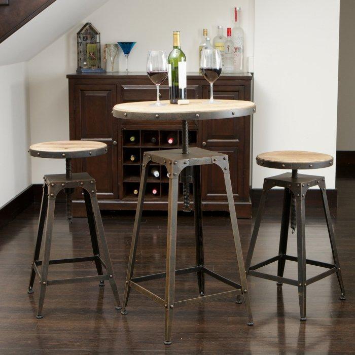 Мебель с металлическим каркасом, который позволяет регулировать ее высоту.