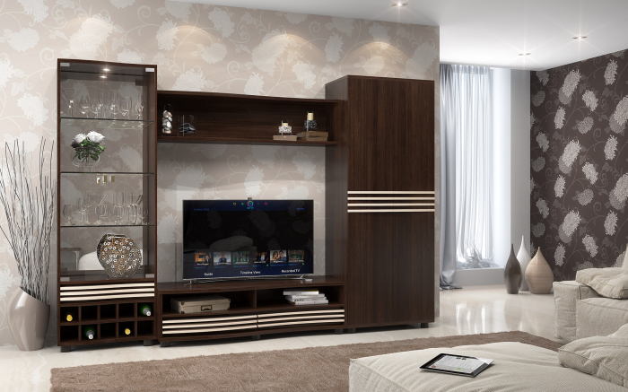Классическая стенка с белыми полосками в интерьере гостиной комнаты.