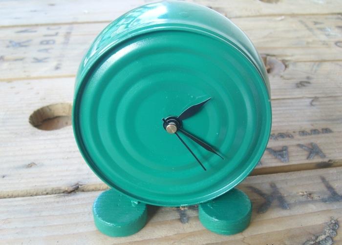 Оригинальные электрические часы, которые можно создать своими руками.