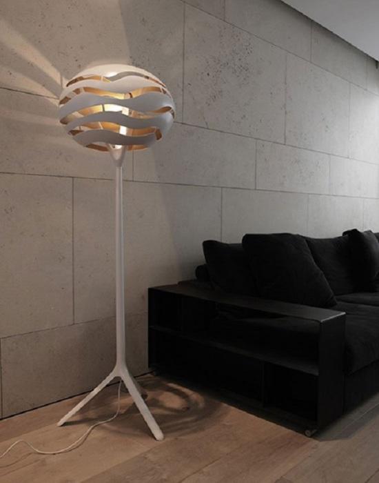 Оригинальная идея для современной модели напольного светильника.