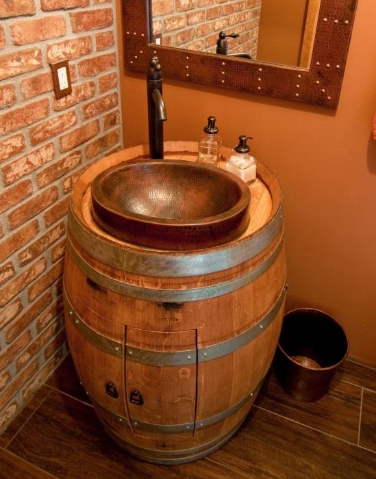 Необычная раковина для ультрасовременной ванной комнаты.
