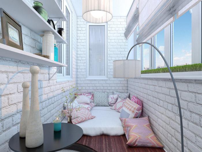 Нестандартный дизайн маленького балкона.