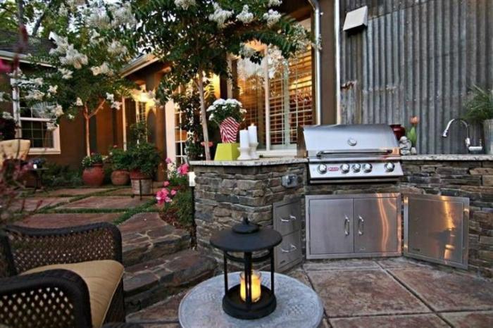 Полезные советы по обустройству летней кухни, которые пригодятся каждому дачнику.