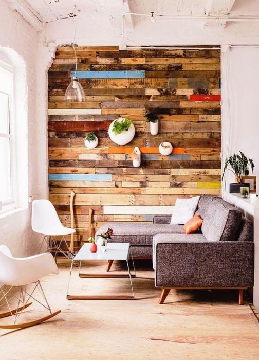 Стены, обшитые деревянными досками -  это экологически чистый вид отделки, который не вызывает аллергию и отлично смотрится в любом интерьере.