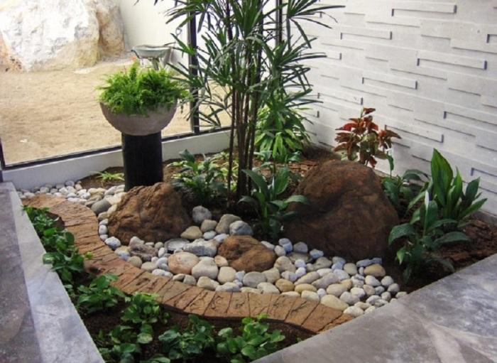 Небольшой растительный уголок станет оригинальным дополнением к интерьеру.