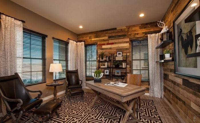 Деревянные панели широко используются для декорирования помещений.