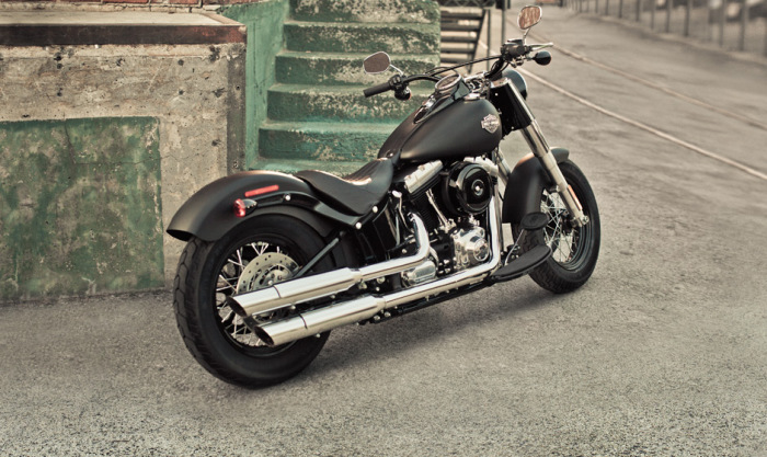 Большой мотоцикл.