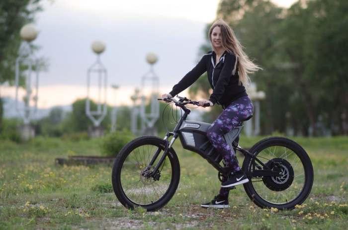 Первый велосипед специально для поездок на работу.
