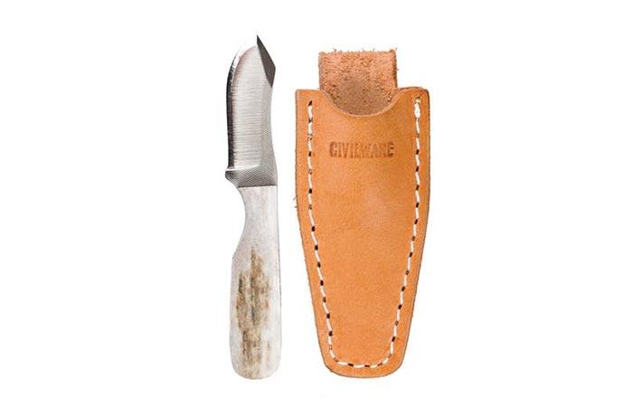 Нож пригодится каждому туристу.