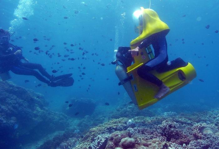 Подводный скутер для любителей плавать сидя.