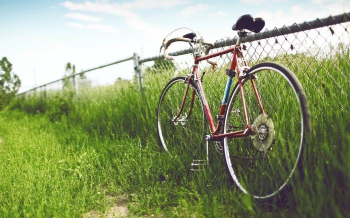 Замок для велосипеда - штука важная.