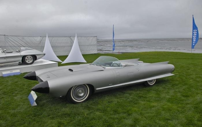 Один из первых умных автомобилей.