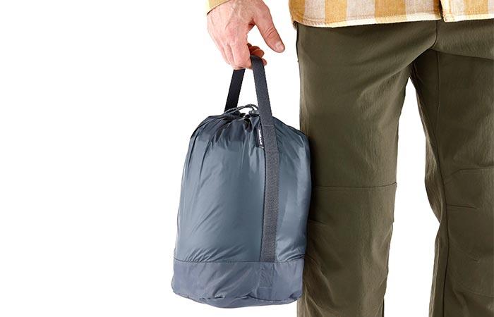 Умещается в крошечной сумке.