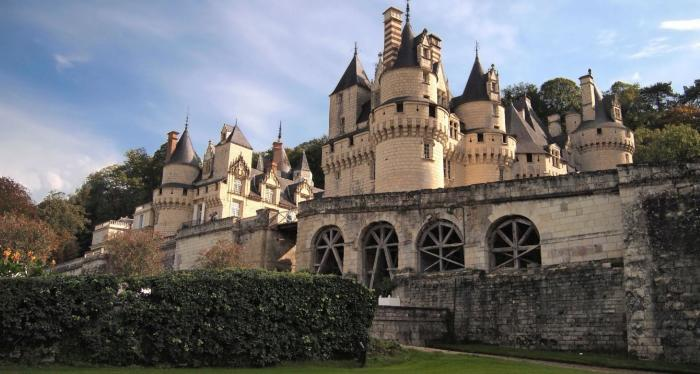 А это Шато Дюссе во Франции.