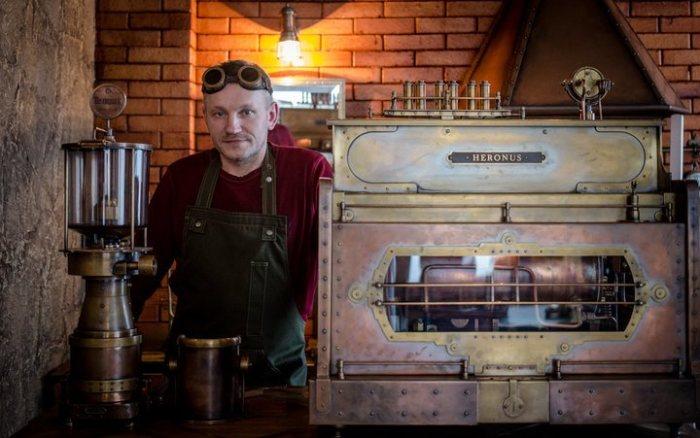 Вообще, Дмитрий занимается кастомами бытовой техники.