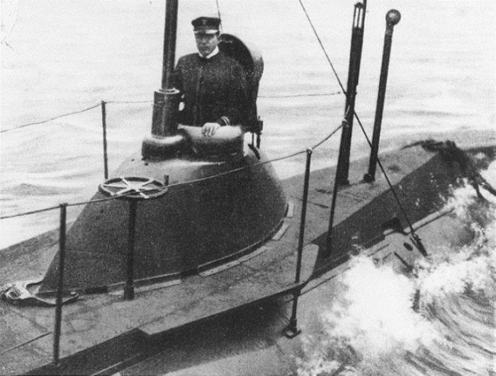 USS Plunger - одна из первых подводных лодок ВМС США, сделанная под заказ в 1902 году. Фото: thevintagenews.com.