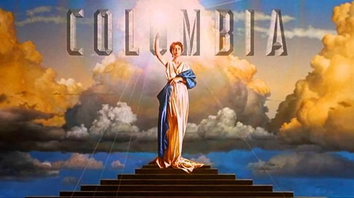 Современный логотип студии.