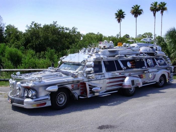 Лимузин из будущего.