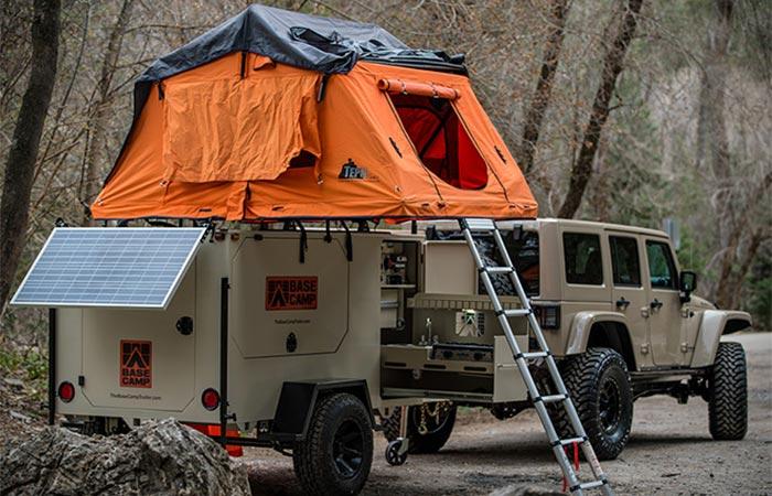 Трейлер Base Camp - для дружной такой компании.
