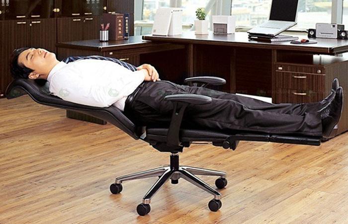Удивительное кресло для рабочего места.