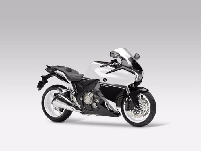 Новый мотоцикл.