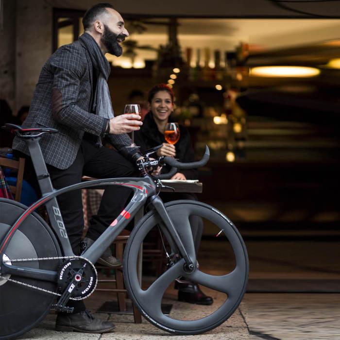 Велосипед BestiaNera Hybrid Bike для спортсменов и не только.