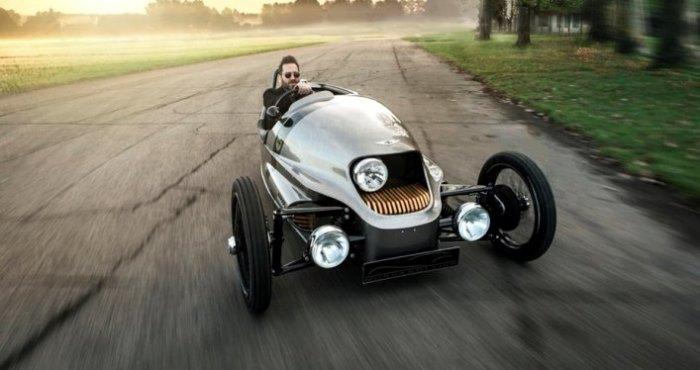 Спортивный тривиллер обогнавший Tesla.