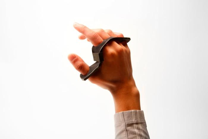 Клавиатура-кастет для продвинутых пользователей.