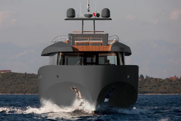 Новая невероятная яхта.
