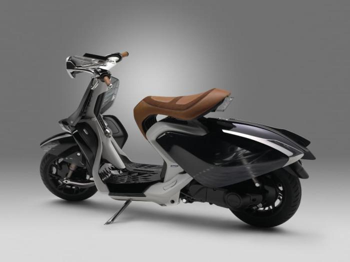 Японский скутер-жук.