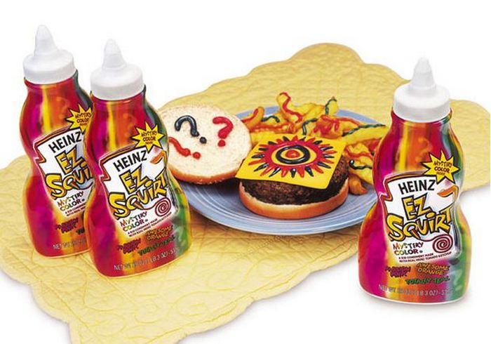Цветной кетчуп Heinz.