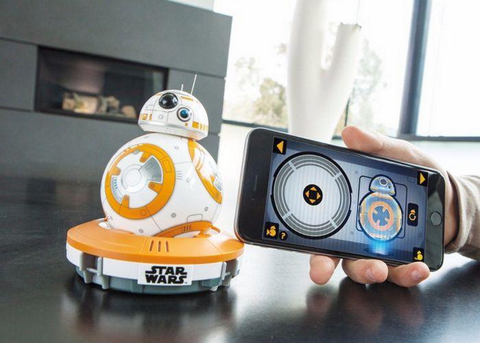Робот Sphero BB-8.