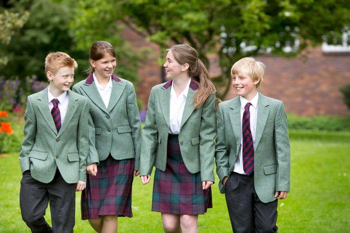Британские школьники.