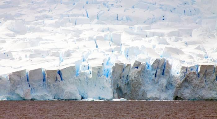 Таяние льдов в Антарктиде.