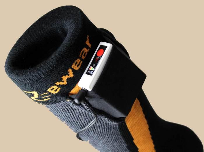 А так выглядят современные носки с подогревом.