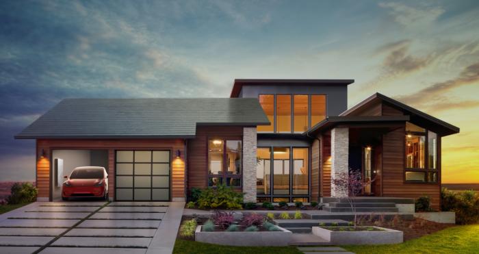Современный дом с солнечными панелями <br> Tesla.
