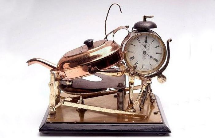 Метод пробуждения: будильник на 4 утра Леви Хатченса.