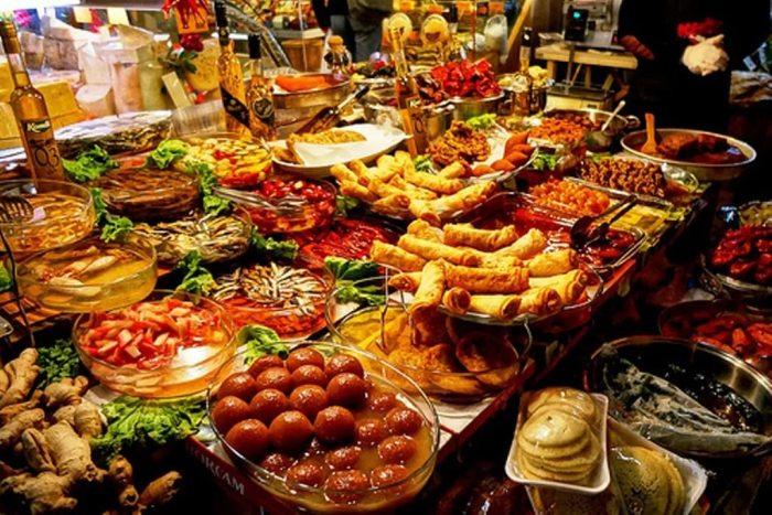 Питание в турецких отелях - много и сытно.