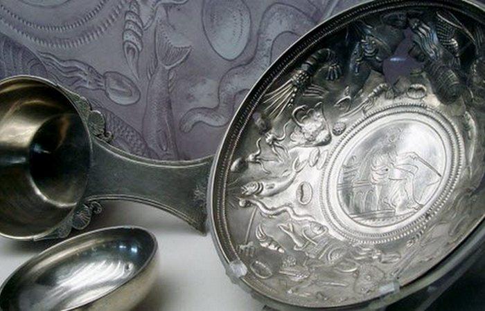 Древняя торговля: посуда из Ниидзава Сэндзука.