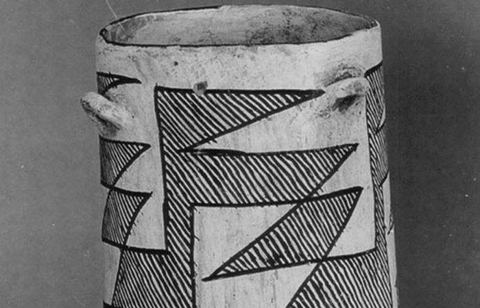 Древняя торговля: глиняный горшок для шоколада.