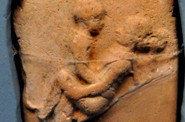 Глиняные таблички как древний Playboy.
