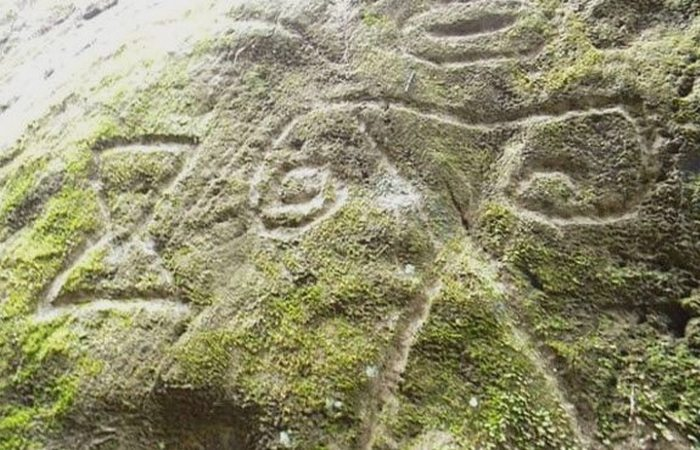 Петроглифы на острове Монтсеррат.
