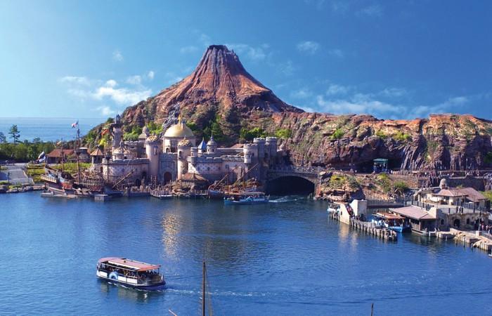 Искусственные острова Токийский Диснейленд.