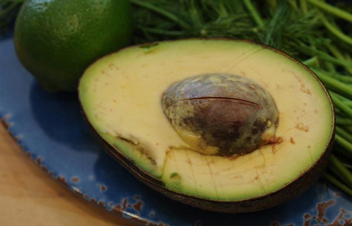 Авокадо снизит уровень холестерина.
