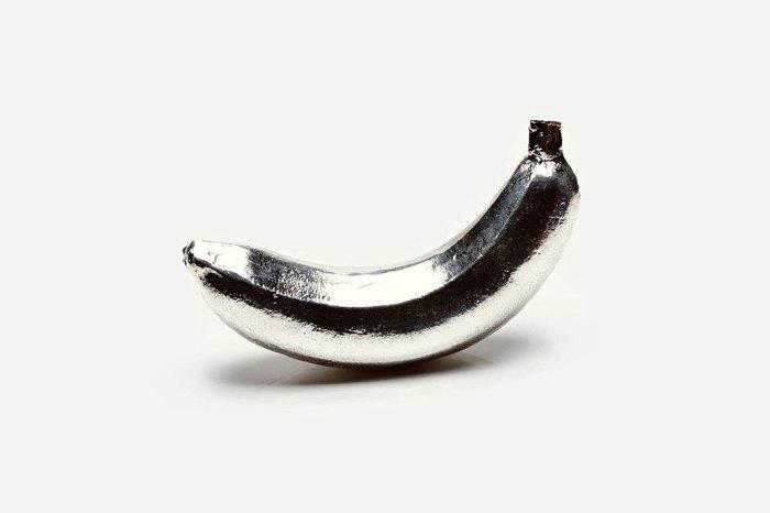 Чистящий банан.